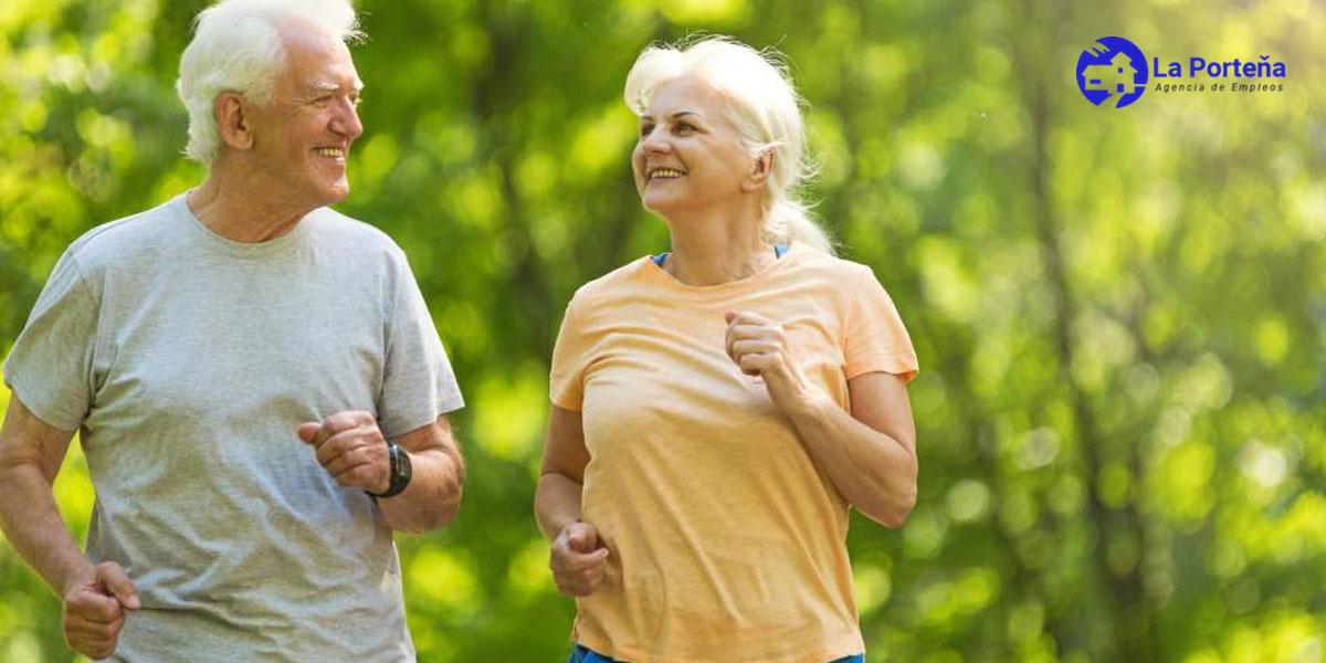 5 tipos de ejercicios que todo adulto mayor debe realizar para mantenerse activo en Lima